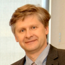 photo of Dr. Anton Komar